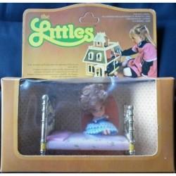 The Littles - bambolina Flossie con lettino